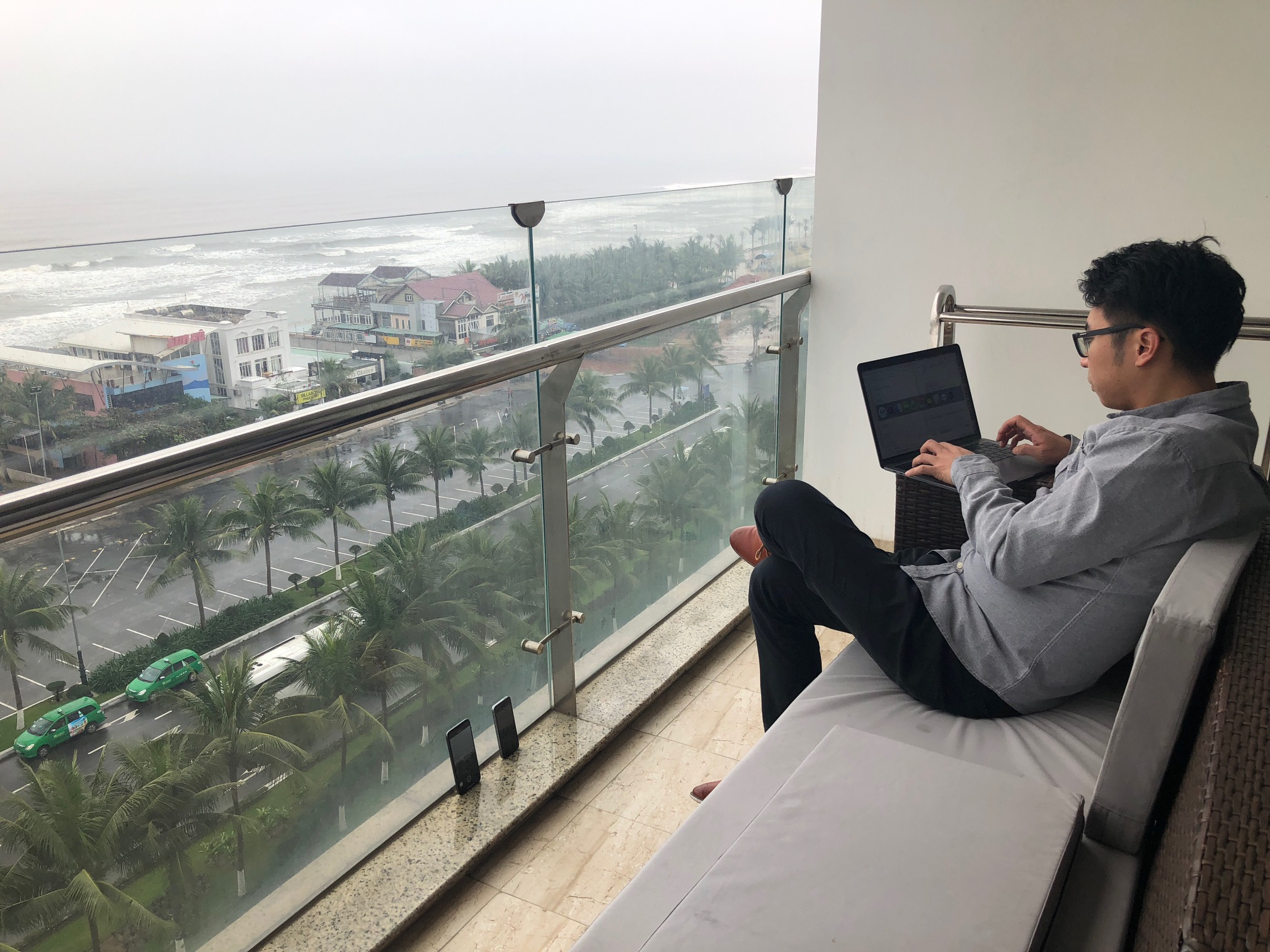 Coding at Da Nang beach-view hotel
